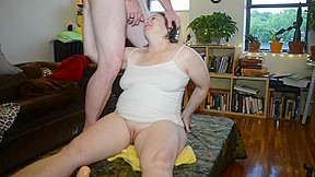 Older bbw drinks and gets soaked by her...