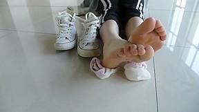 Feet 7...