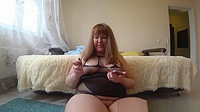 Shakes her anal and pussy po...