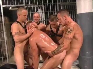 Homo Prison Fuckfest Women fucking men with strap