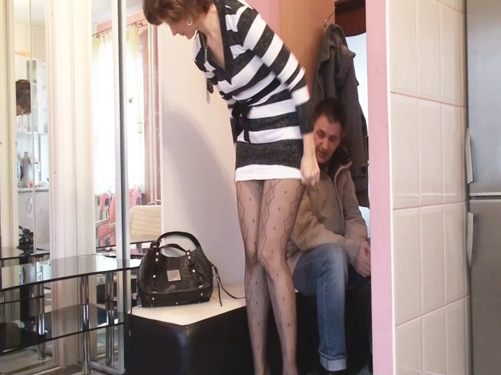 Enjoyable lady in the awaiting room fuck my pussy till it hurts