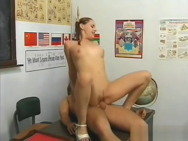 Stunning Schoolgirl Gets Moist Pussy Licked And Fucked Guys and women having sex