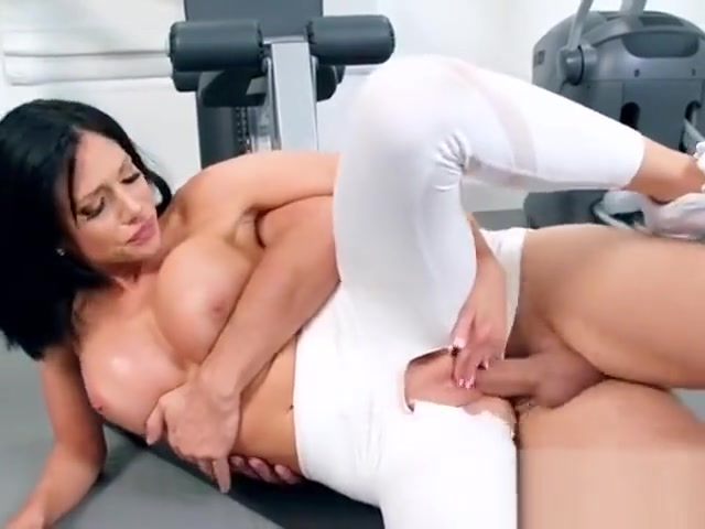 Hot Vixen Jaclyn Taylor Gets Screwed By Hung Lover Nude gap shaved pussy