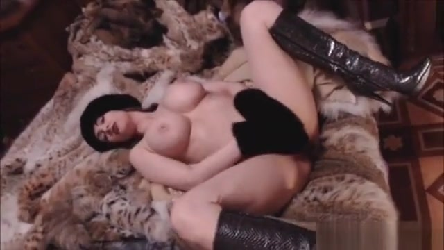 Big Ass Pornstar Fetish With Cumshot hot nude bud light girl