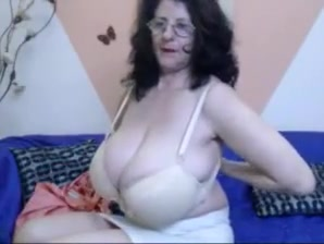 Granny with Huge Tits on a webcam Chubby fat latina bbw
