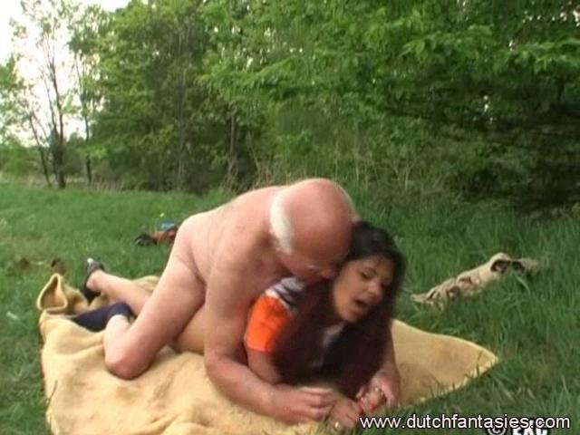 Old 10-Pounder jerked on this outdoor interracial fucking Randi got with Nikki