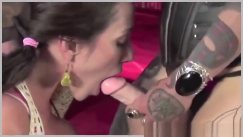 Emo dyke fucks a big tit girl Hot naked female cousins fucking girls