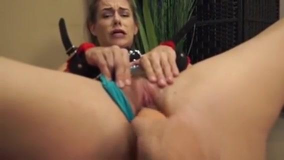 Pappys Deception Starring Cassidy Klein Ebony twerking upskirt