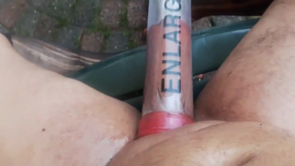 BIZARRE SEXTOY VACUUM PUMPED DICK DIRTY GARDENBOY College girl porn gallery