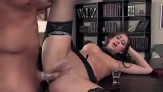 Sexy Brunette Babe Gets Her Pussy Hindi sexy nude video