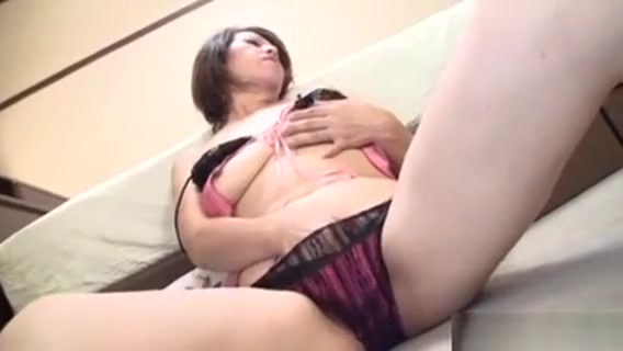 Raw Masturbation For Hot Mature Mature anal cumshots