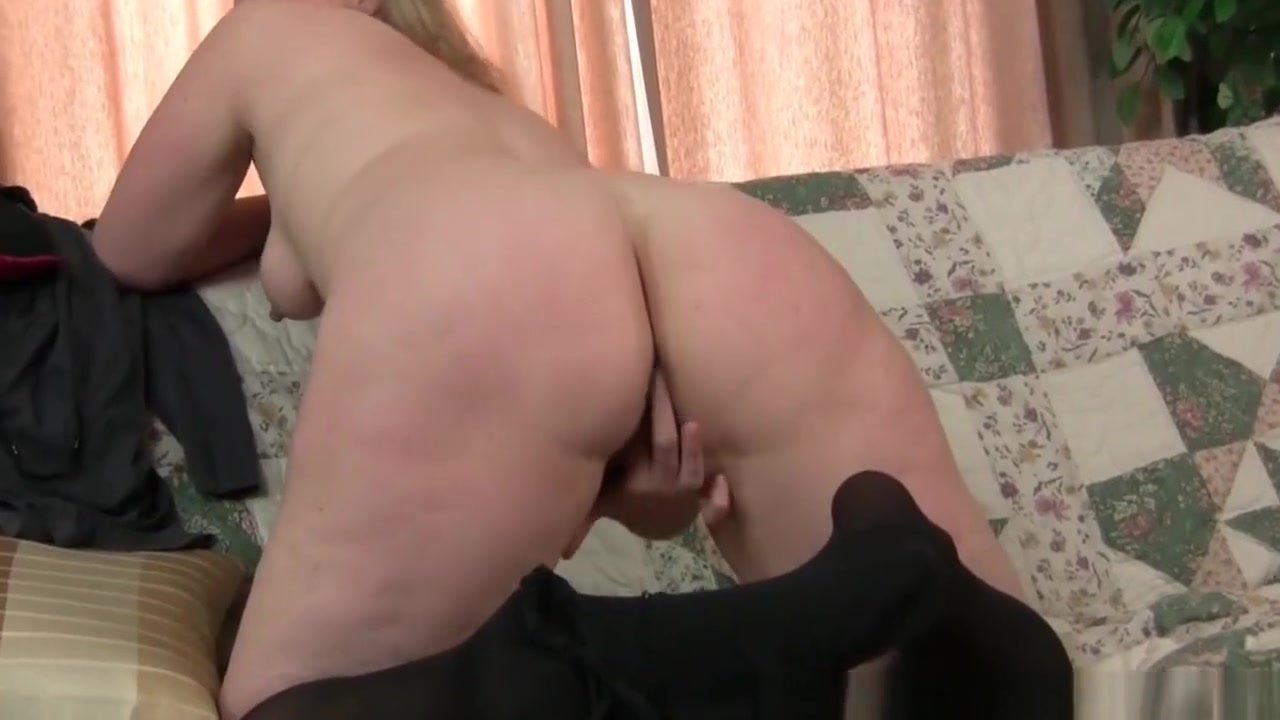 Moms pantyhosed pussy gets her all hot and horny Xxxii Videos In Odia