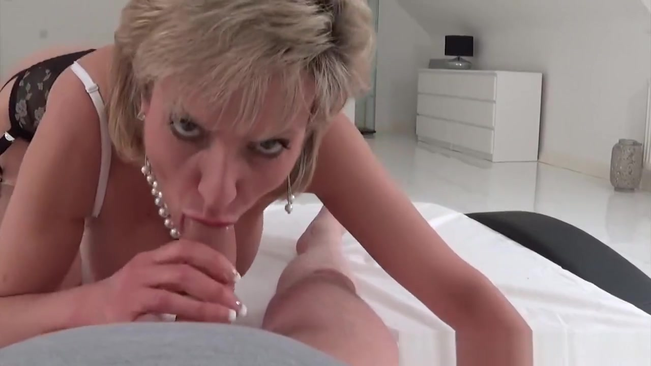 MILF Lady Sonia to strip and suck intruders dick pakistan sexy girls images