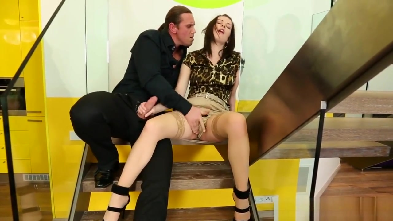 Pee loving whore cumshot bare ass in the