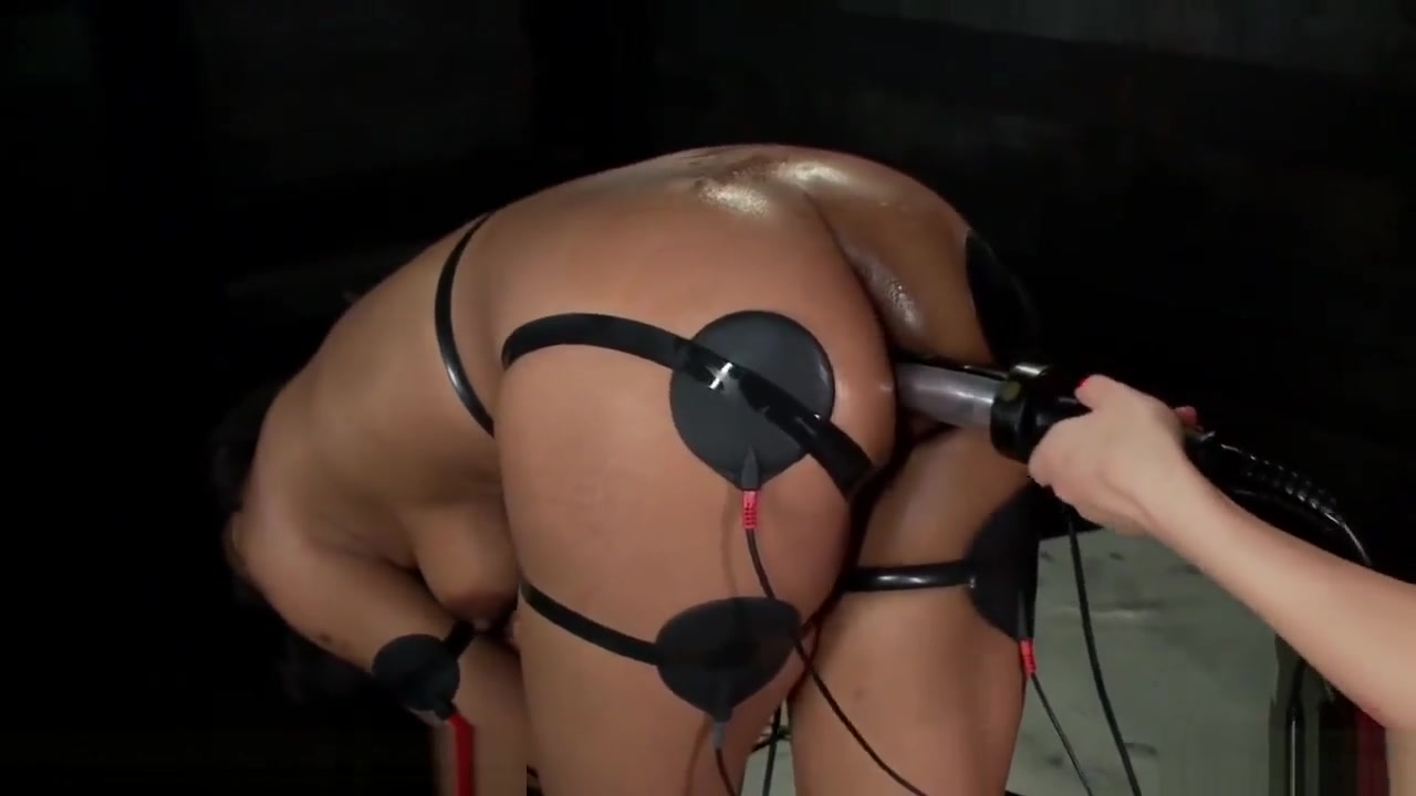 Big Booty Electric Latex Babes Ho to eat pussy