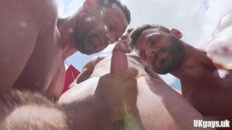 Big dick gay threesome and cumshot Mature lesbian seductions tubes