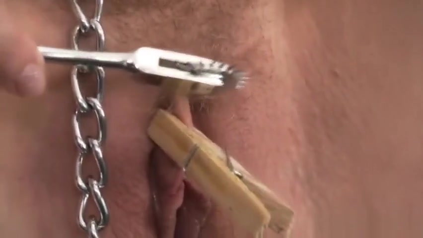 Slave girl has her pussy and nipples pegged by sexy Mistress anal free porn toying