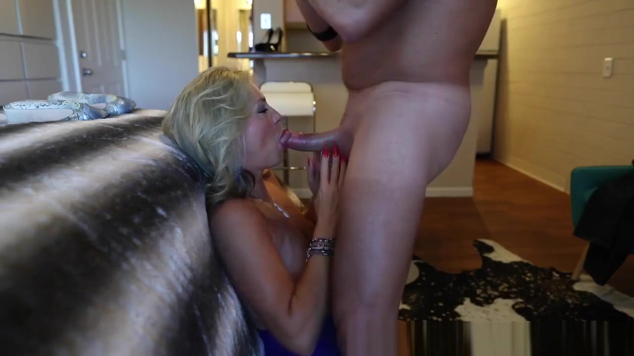 Wifeys Slutty Neighbor Gets Drilled For Xmas Slut Sex in Frankfurtammain