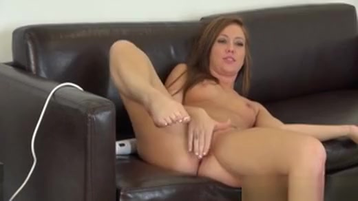 Sweet Maddy Oreilly Vibrates Her Clit And Shows Her Twat On Live Cam
