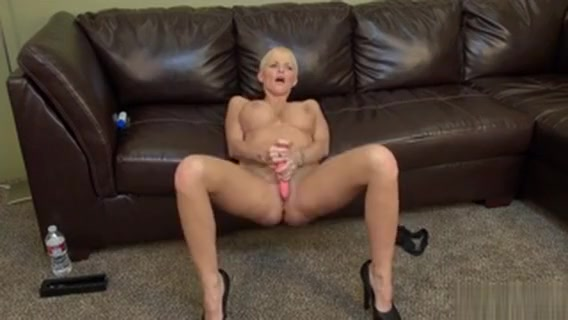 Busty Blonde Joslyn James Is On Her Webcam Toying Her Snatch Cad software for windows 7