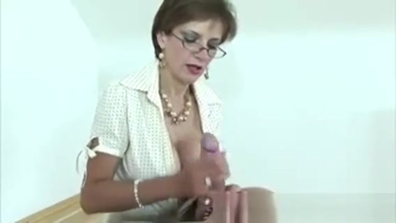 Femdom Babe Gets Cumshot