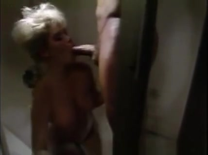 Peter North Fucks A Blonde In Shower And Cums On Her Sunny Leone Fuck Boy Minimum 3 Mts