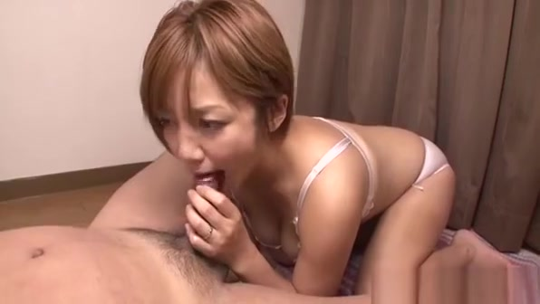 Horny Young Mommy Gets Fingered And Teased With Dildo