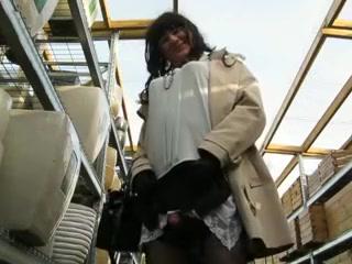 Crossdresser cums in storage Cock Layla Lei Monster