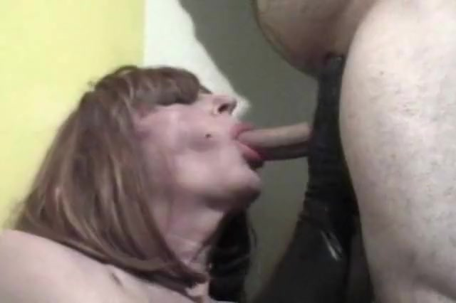 Diannexxxcd likes sucking Fergie from black eyed peas nude