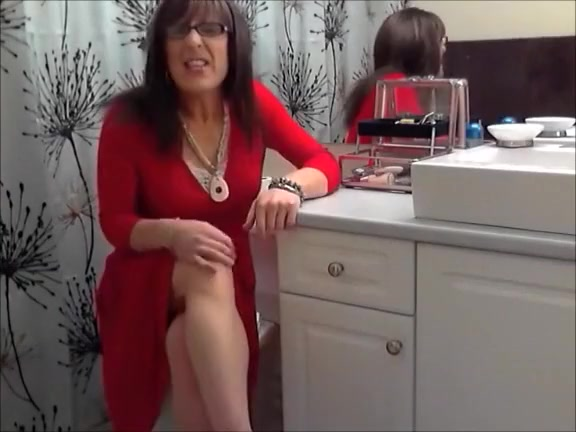 X-Mas Party Girl Is Solo Action Mobile peeing porn