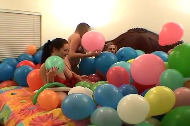 Three lesbains having sex with ballons Make her take