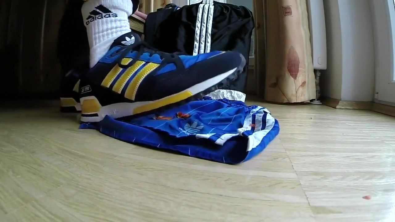 Looner adidas 1 [MALE] Indian Aunty Sex Image