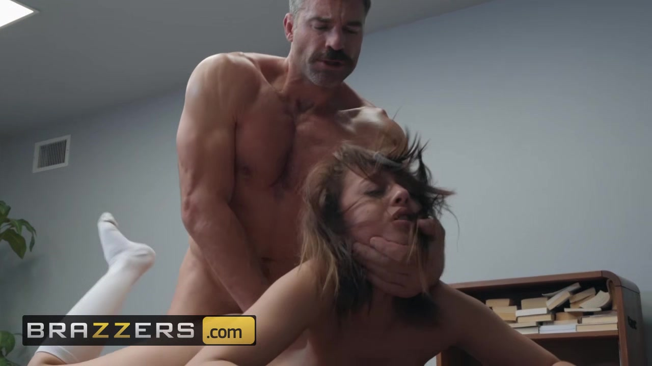 Brazzers - Big Tits at School - Naughty Trade for a Good Grade - Naughty Trade for a Good Grade Suck my hairy pussy