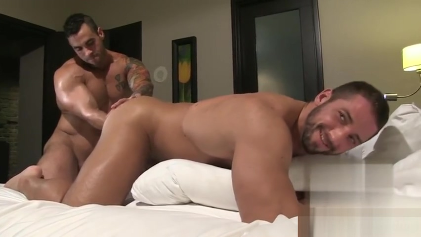 Tattoo bodybuilder blowjob with cumshot amber easton gets anal
