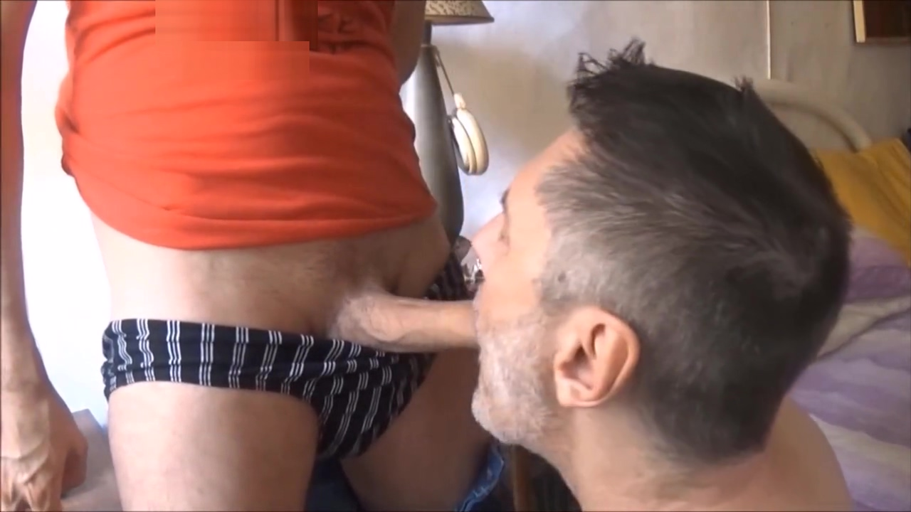 huge cock with piss and poppers (HD) Mature women in Belen