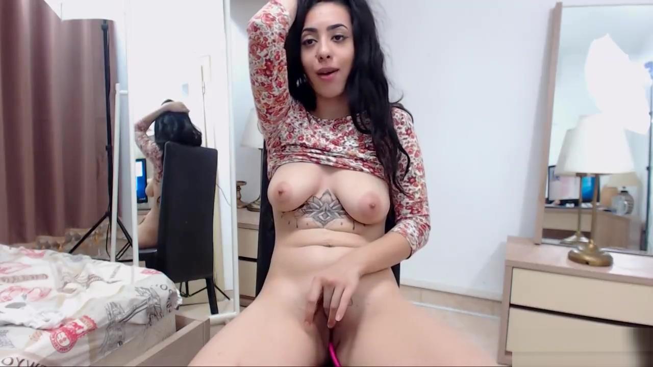 Amateur brunette busty camgirl posing on webcam Sexy website address