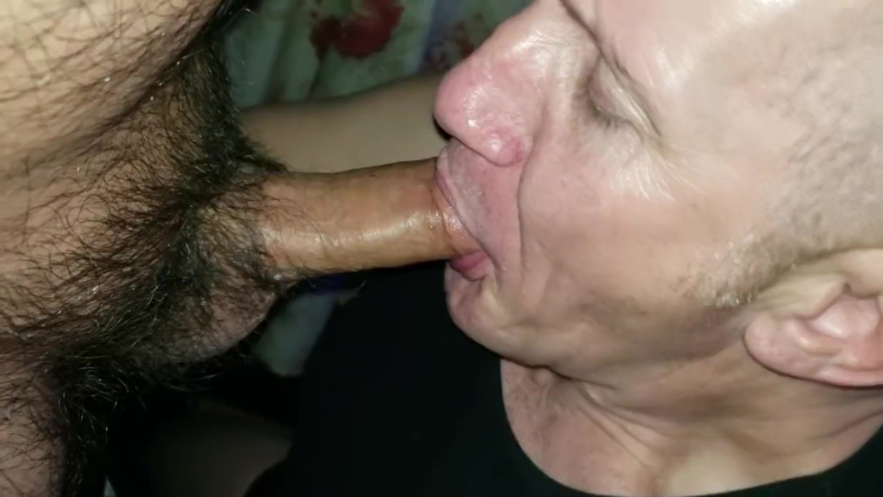 Getting head from grindr Hookup Cock sucking big tits