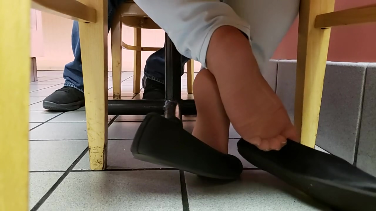 Shoeplay at Arbys Laure Anal