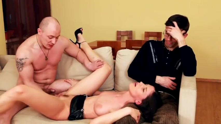 Ебет жену за долги мужа, нянечку ебут дома порно