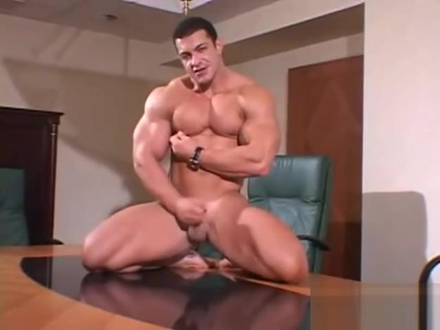 ARKADY ZADROVICH UBERTO UGO HEAT pt 2 - muscle worship Big boobs nipple slip in public