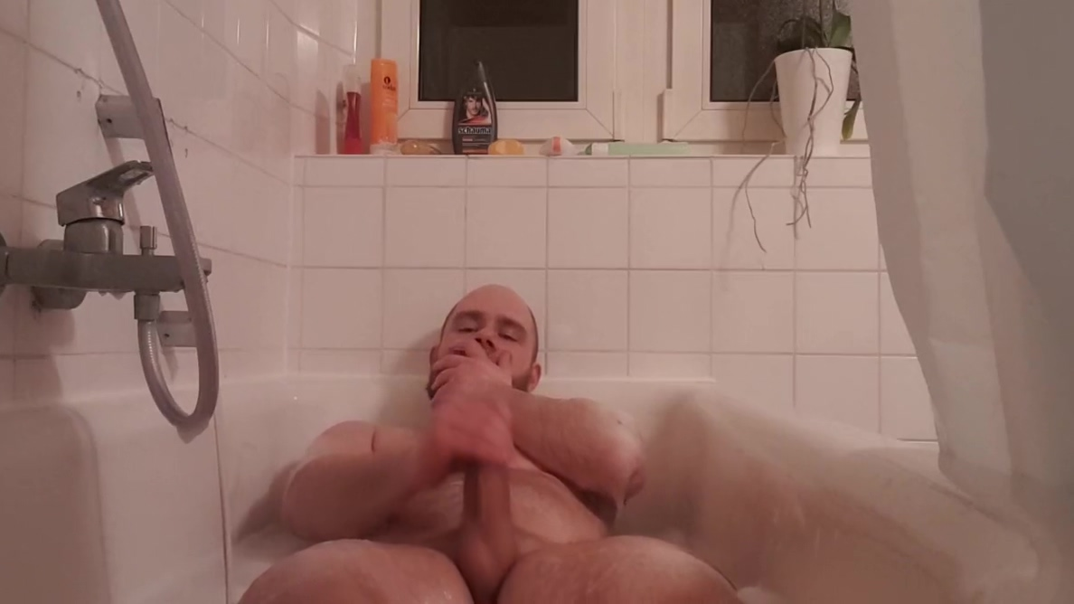 Geiler Piss und Masturbations Spass in der Badewanne San francisco comedian female