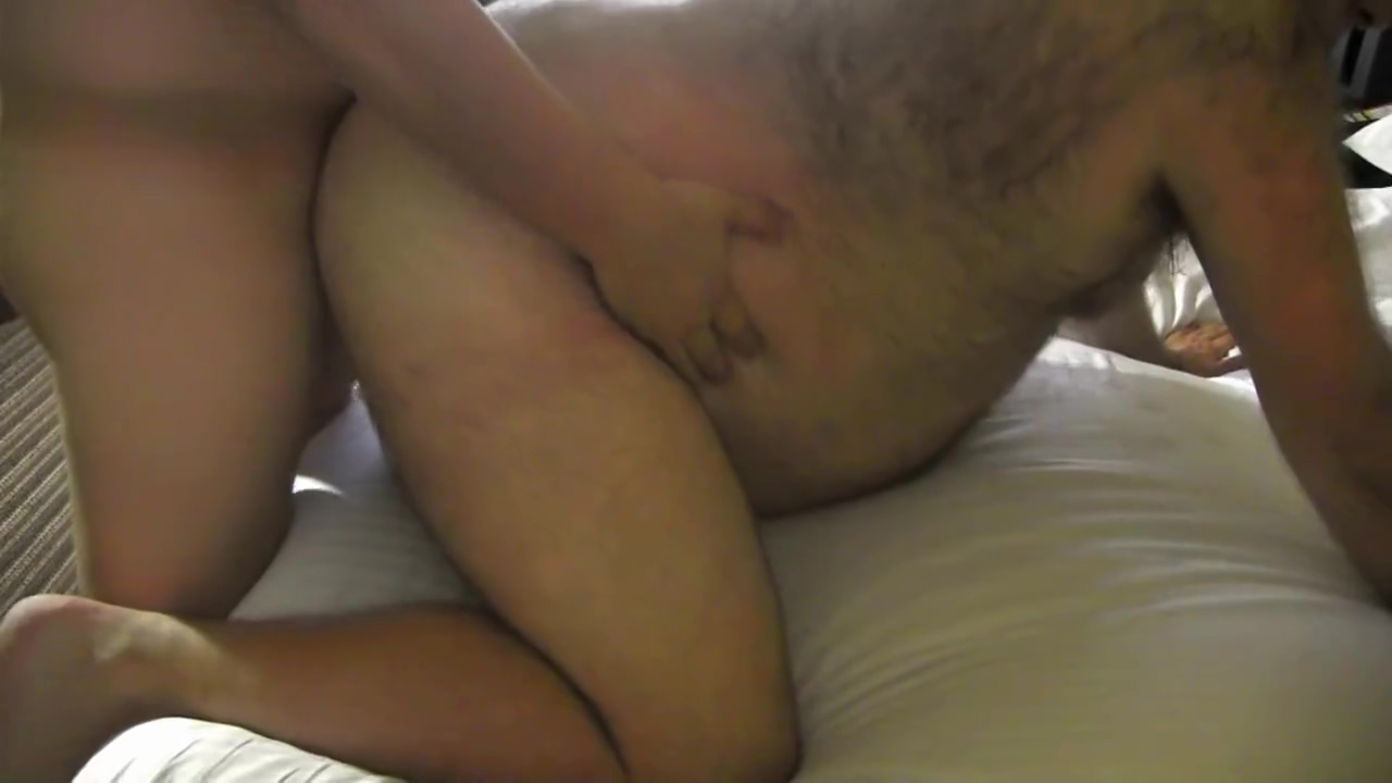 Asian Fucks Bear in Las Vegas Hotel Ebony yellow blowjob cock orgy