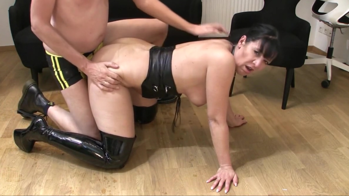 Pee - Fuck - Facial -The Slut in Luxembourg - Gabriela-Bitch Practice of relative dating