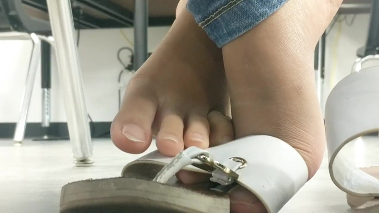 Asian feet in class wife fucks stranger while husband watches