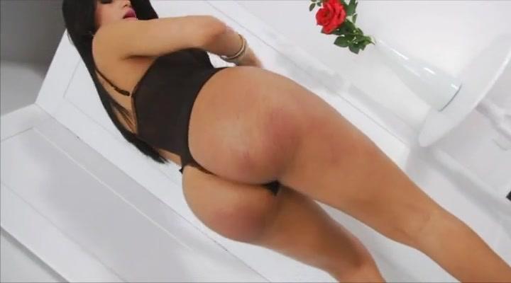 Sexy shemale Valentina Bittencourt bareback and anal fuck Ai Yuumi blows cock before getting pumped hard