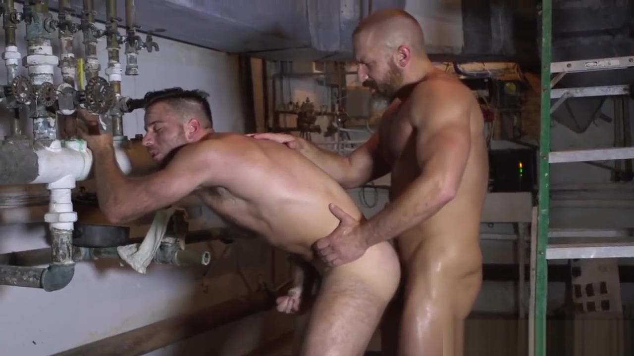 Muscle DILF rims hunk before cummy assfucking utube man fuck women video clips