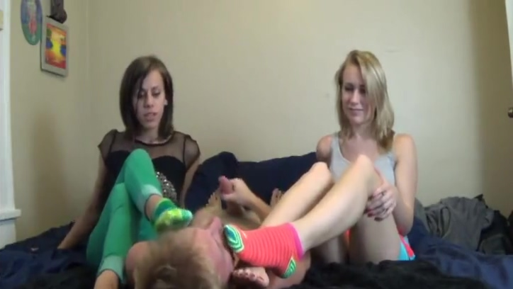 socks worship hanjob
