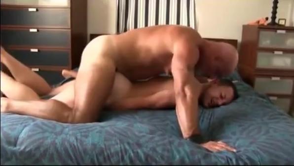 VASELINE BULL Milf uses dildo on wet tight pussy