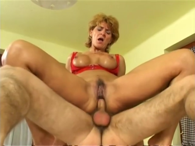 Tunde Hungarian MILF Pussy slip compilation