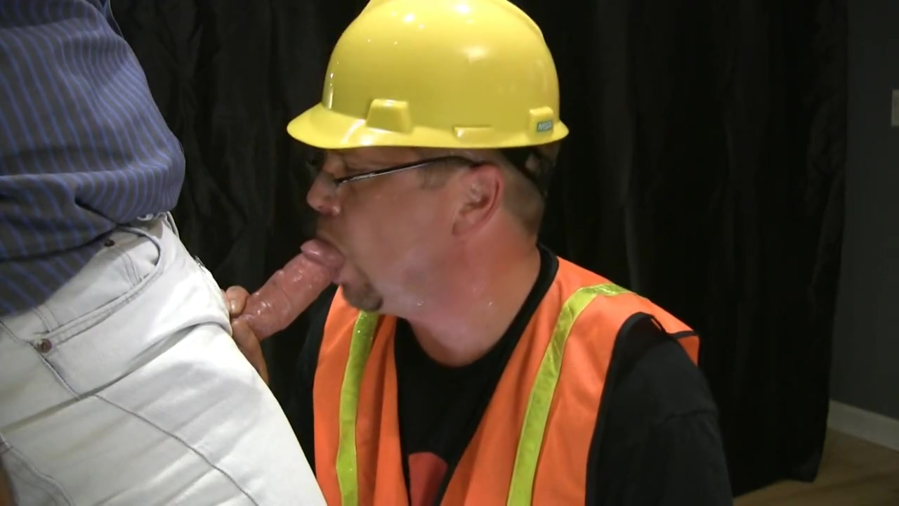 ROB BROWN: HARDHAT HARDON CLIP C3 sex in the public bathroom